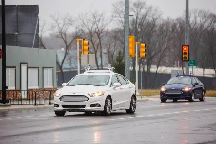 Ford Triplicará su Flota de Desarrollo de Vehículos Autónomos