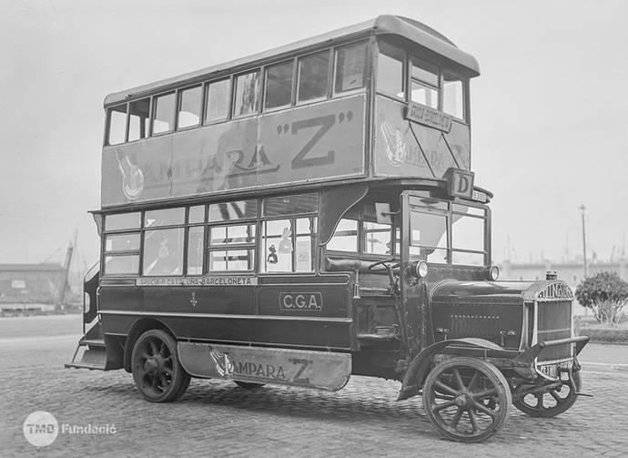 La Fundación TMB recupera el autobús histórico Tilling Stevens