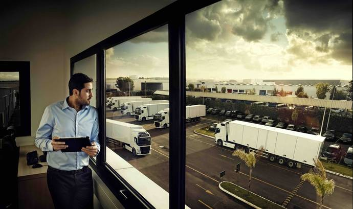 Volvo Trucks simplifica las operaciones diarias con Volvo Connect, interfaz digital