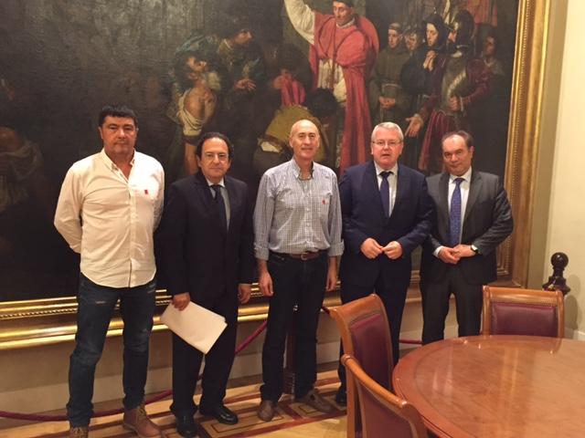Fetransa se reúne con los senadores populares