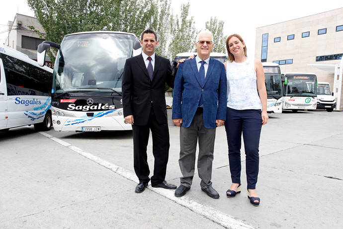 Ramon Sagalés, Consejero Delegado de Sagalés; Francesc Sagalés, Presidente de Sagalés; y Anna Sagalés, Consejera Delegada de Sagalés, tras el acto oficial de presentación del servicio.