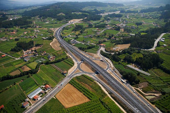 La Xunta crea una glorieta para dar acceso a la autovía Costa da Morte desde Vimianzo