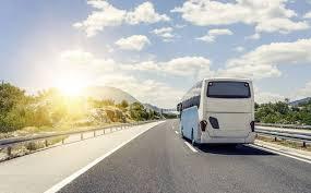 Confebus traslada a Ábalos la necesidad de ayuda del Transporte de Viajeros