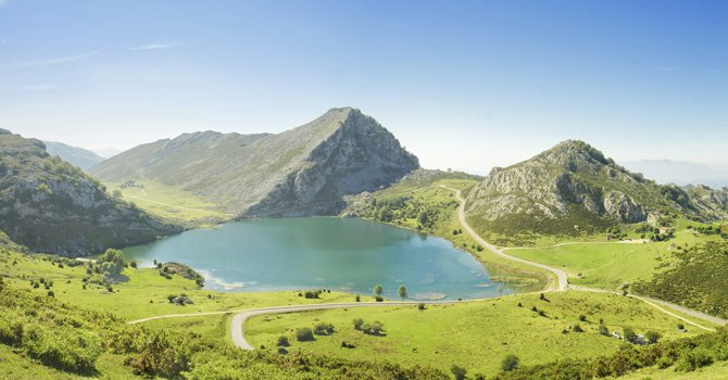 El transporte a los Lagos de Covadonga alcanza los 157.214 viajeros en 2016