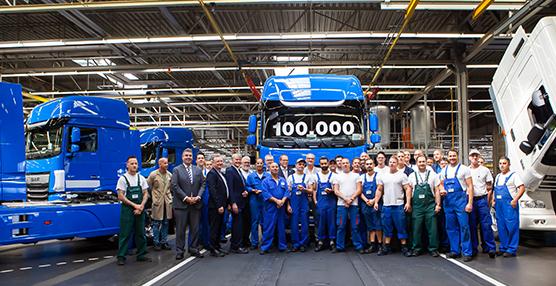 DAF Trucks finaliza el camión 100.000 de la nueva generación de camiones CF y XF