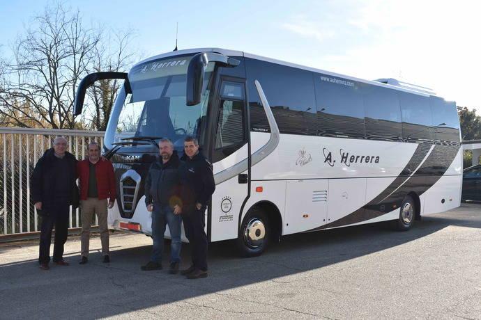 Nogebus proporciona un vehículo a Autobuses Herrera