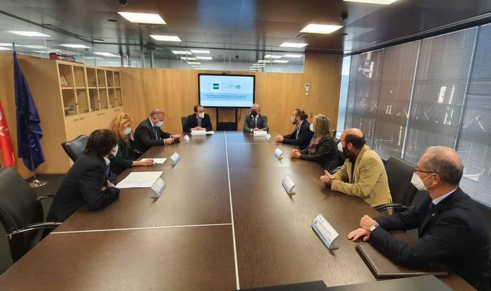 EMT Madrid y UNED sientan las bases de la Cátedra de Calidad del Aire