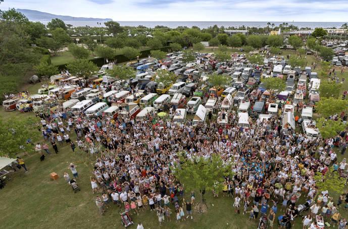 Más de 5.000 aficionados acuden a la 13ª edición de FurgoVolkswagen