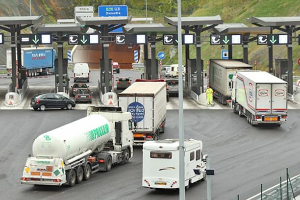 CNTC exige a DGT volver a permitir circular camiones en N-232 y N-124