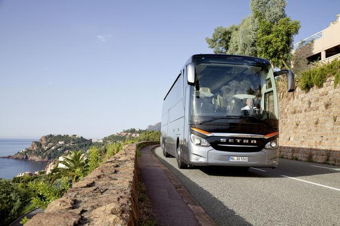 La compañía Setra cumple 70 años, desde su primer vehículo, el S 8