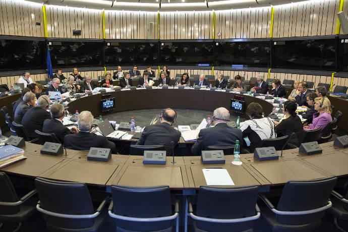 La Comisión emprende acciones contra aplicación del salario mínimo francés y alemán para el Sector