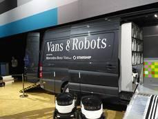 Sprinter con carga para robots de entrega en la presentación de Mercedes-Benz Vans Advance