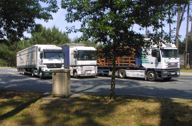 Fenadismer denuncia colapso de camiones en Áreas de Descanso de AP-7