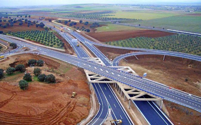 El Ministerio de Fomento aumenta en 2018 su presupuesto destinado a carreteras
