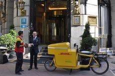 DHL inicia un servicio de entregas ecológicas en Madrid