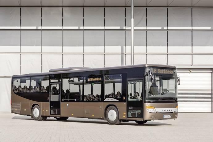Entregas de autobuses SETRA autobuses de piso bajo a una empresa Checa
