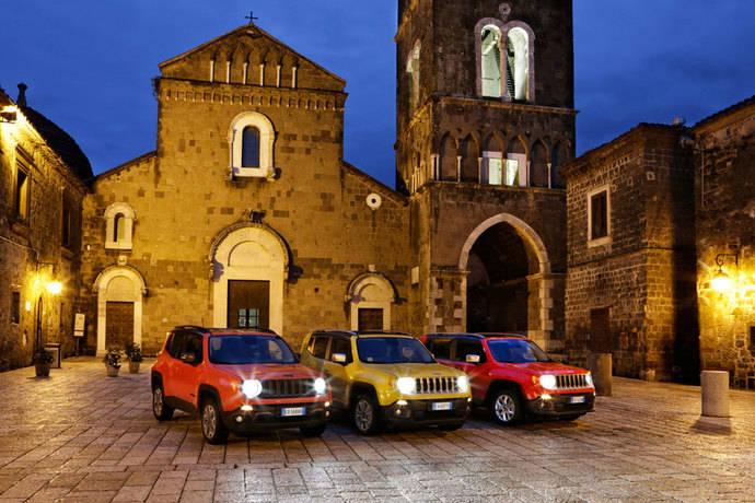 Fiat supera las 37.000 unidades y Jeep es la marca que más crece en 2015
