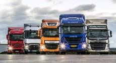 Camiones de varias empresas.