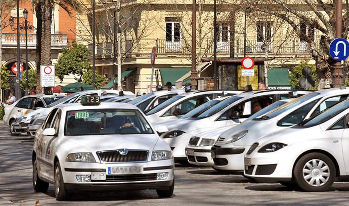 Andalucía plantea zonas donde los VTC no podrán captar viajeros ni estacionar