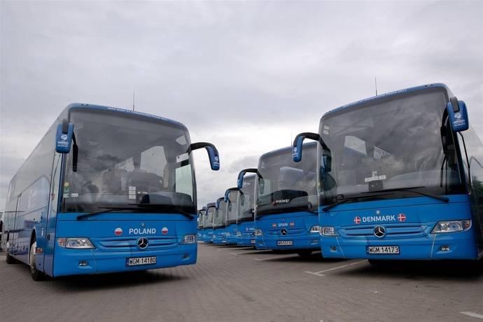 El Mercedes-Benz Tourismo, en acción durante la Euro U21 de fútbol