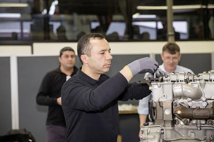 Daimler Buses premia al mejor de los mejores en el servicio posventa