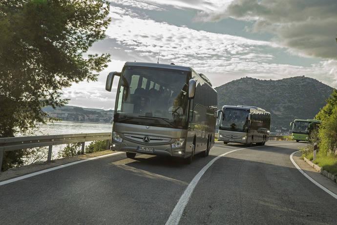 El nuevo Mercedes-Benz Tourismo RHD destaca en las pruebas dinámicas