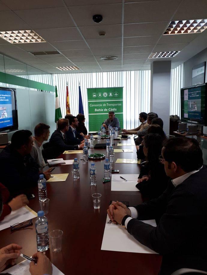 La Junta de Andalucía se reúne con ayuntamientos de Cádiz