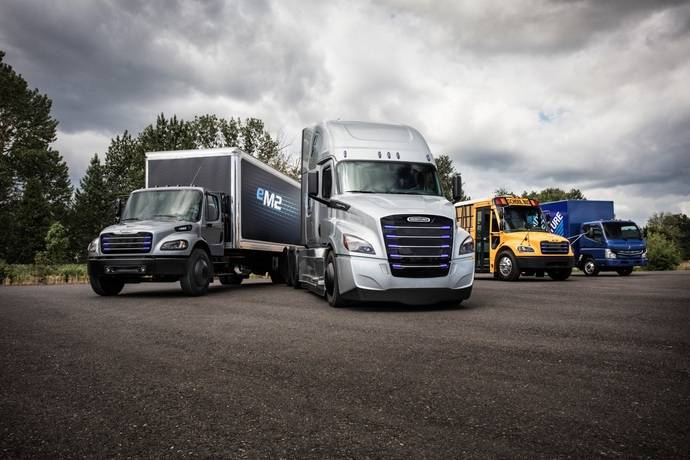 Daimler Trucks crea el Grupo de Movilidad Electrónica global