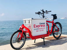 Una de las diez bicicletas de Correos Express.