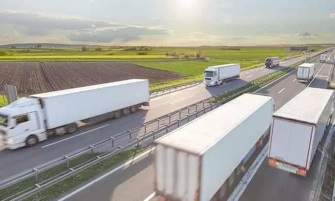 Los transportistas que tienen que visar sus tarjetas de mercancías en enero