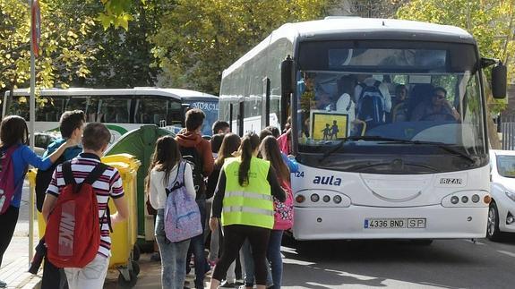 Tráfico refuerza la vigilancia sobre el transporte escolar