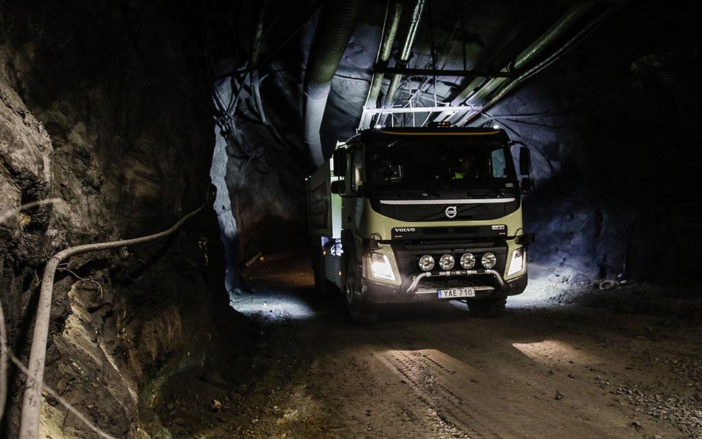 Un Volvo FMX autónomo por las minas de Suecia