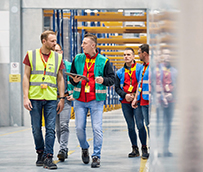 DHL acelera la implantación de robots en la logística de almacén