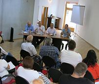 El Ayuntamiento detalla a los vecinos el plan de obras de la MetroGuagua en la Vega de San José