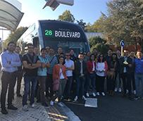 Dbus recibe la visita de una delegación vasca