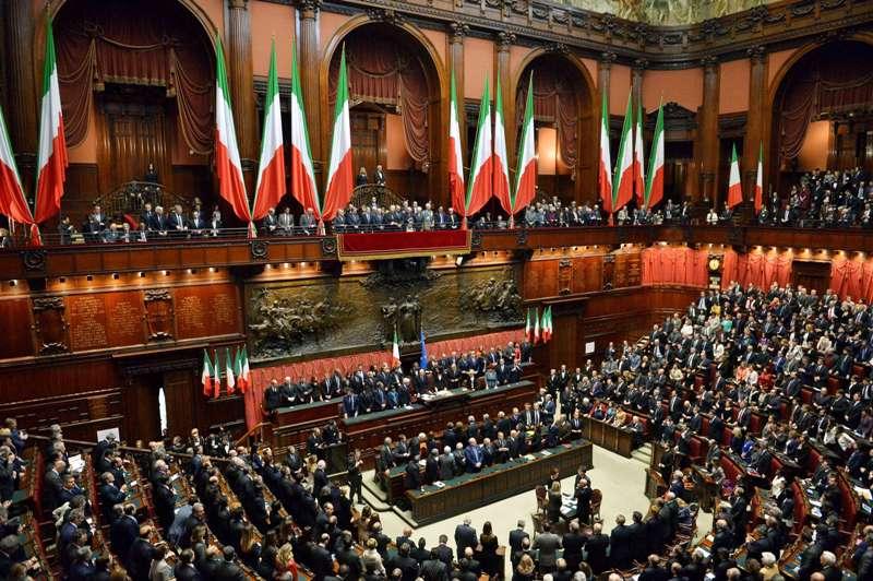 Italia estudia ampliar el salario m nimo para conductor for Parlamento montecitorio