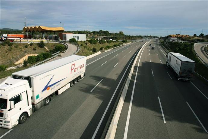 Fegatramer: 'El transporte por carretera de mercancías en España transita al borde del precipicio'