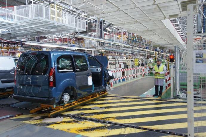 Interior de una fábrica de vehículos española.