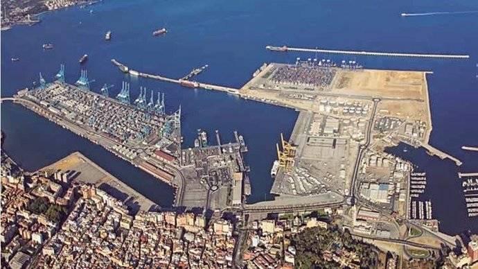 Imagen aérea del Puerto de Algeciras.