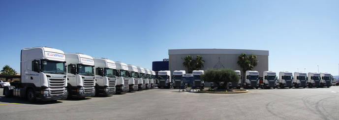 Scalevante entrega 20 nuevos camiones a Transportes la Espada