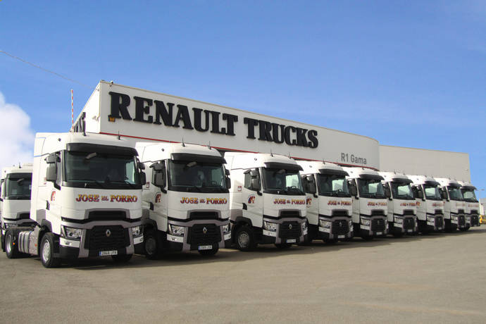 9 camiones Renault Trucks t 520 High Sleeper Cab para Quijada