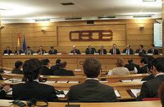 CEOE pide reunirse con los portavoces de la Comisión de Fomento
