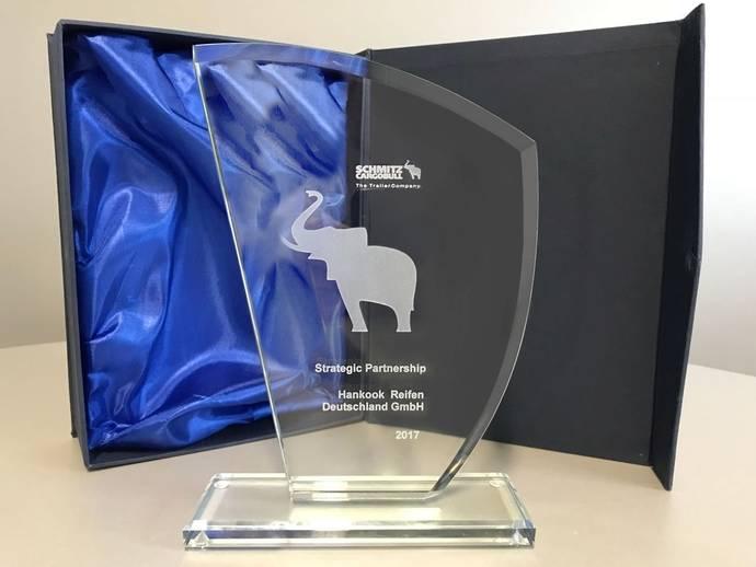 Hankook, premiado por 'Colaboración estratégica' con Schmitz Cargobull