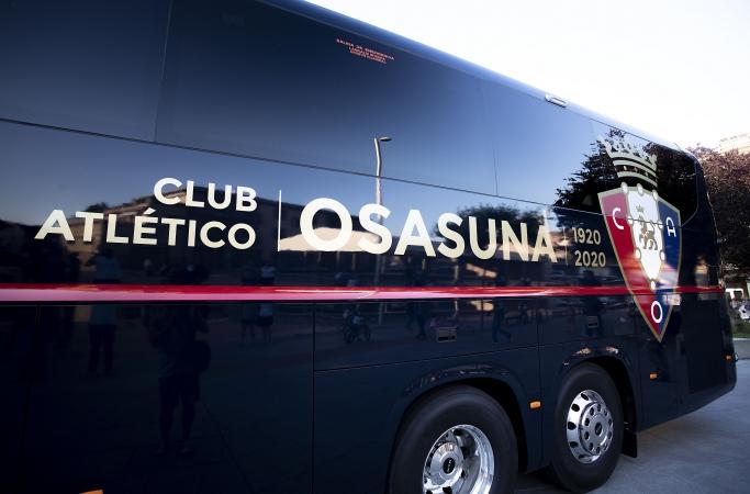 Osasuna estrena su nuevo autobús oficial