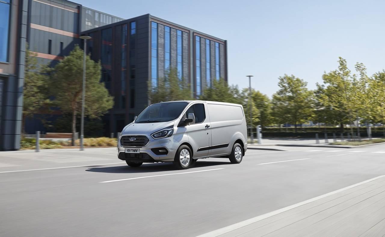La Ford Transit Custom Amplia Su Diversidad Con Un Modelo Hibrido