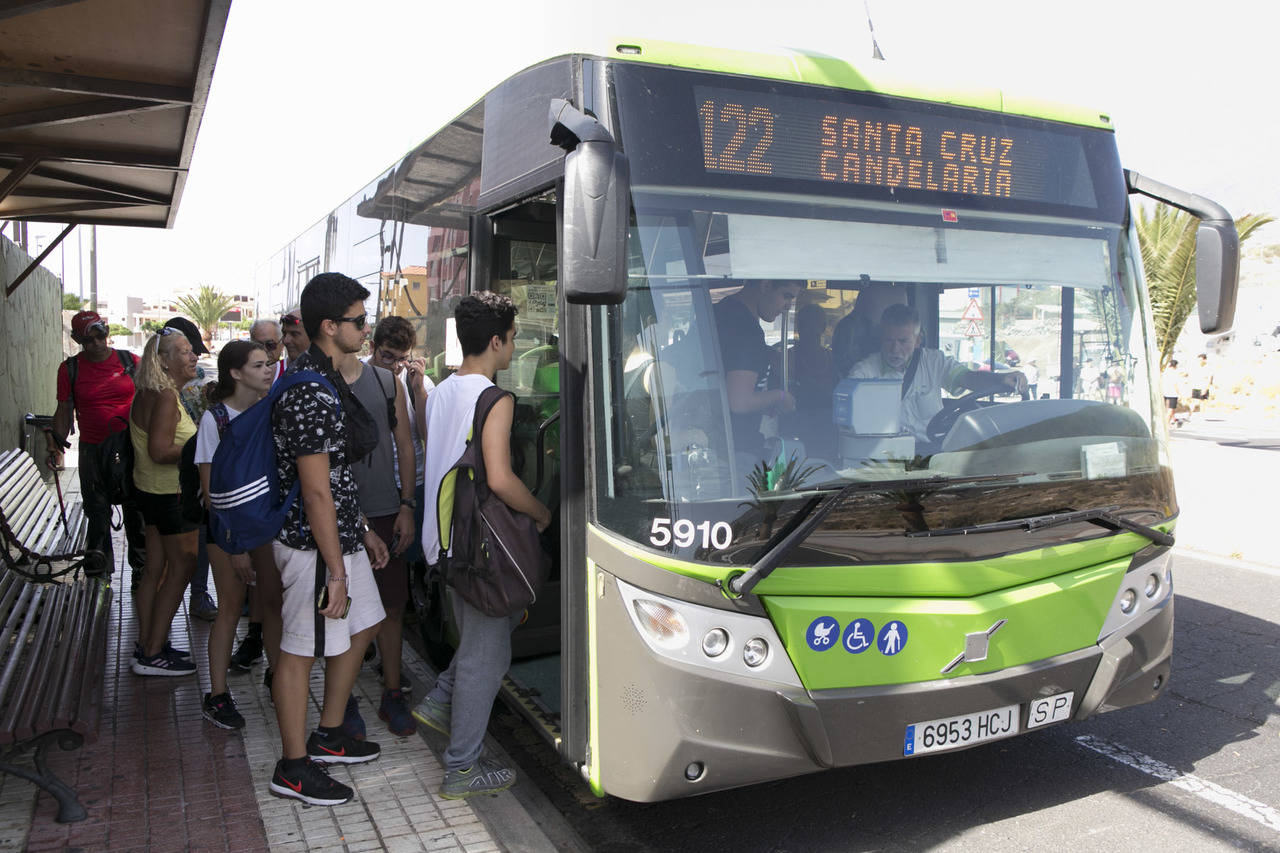 Titsa transporta 14.000 personas en la Candelaria