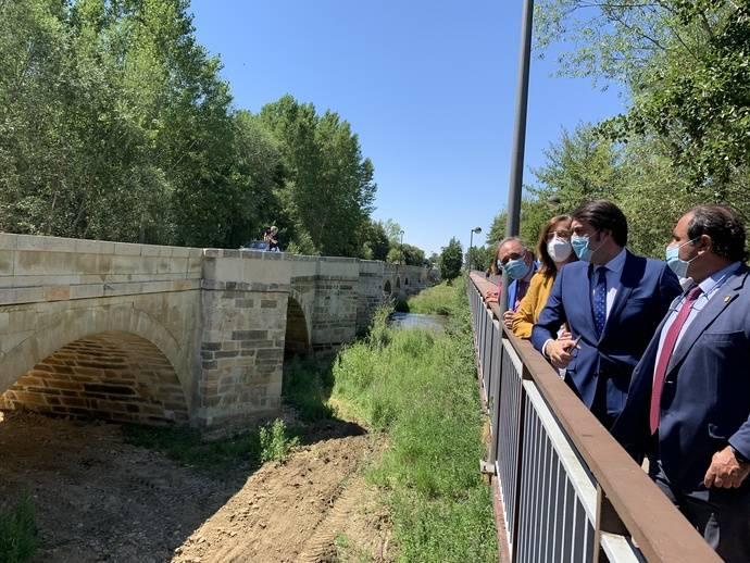 Castilla y León entrega la obra del puente de Saldaña en la CL-615, de Palencia, para normalizar el tráfico