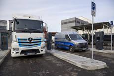 Daimler abre un parque de carga para comerciales eléctricos