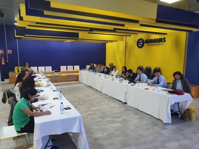 Guaguas Municipales celebra unas jornadas de movilidad junto a delegación china