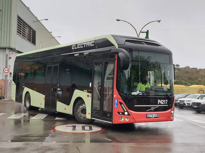 Tusgsal realiza recorridos de prueba con el Volvo 7900, 100% eléctrico
